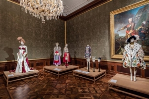 The-Vulgar-fashion-redefined-Foto-Christian-Wind-Belvedere-Vienna-1