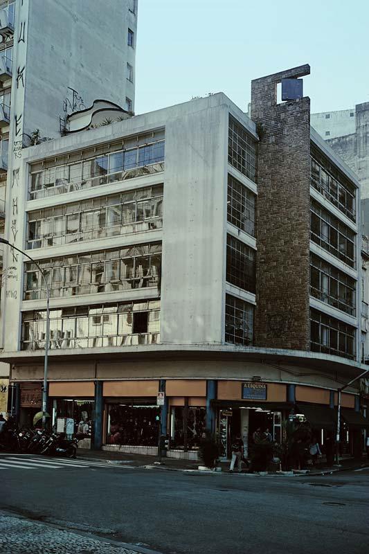 FAROL ACESO – A Reunião de Condomínio mais bacana que existe