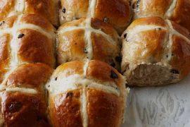 Hot cross buns: pãezinhos veganos doces de Páscoa | Estilo ao Meu Redor