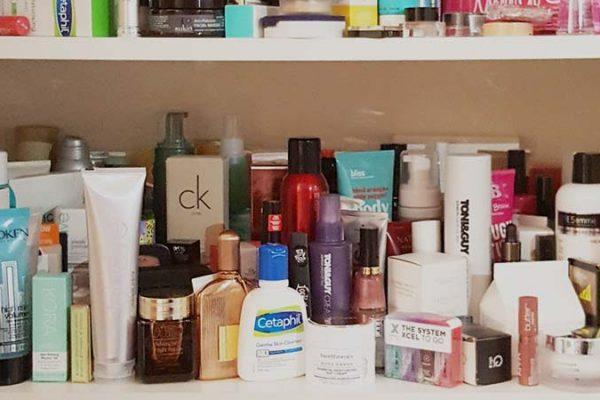 6 Dicas para organizar seus produtos de beleza e ter uma nécessaire funcional