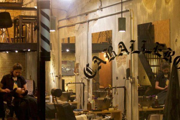 Vida de barbeiro, hip-hop, feminismo e abrir o próprio negócio: um papo com Wallan Firmo da Caballeros Barbería