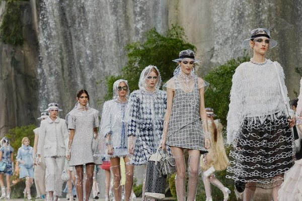 3 tendências 2018 direto da Paris Fashion Week que você precisa conhecer