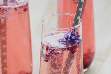 Drink da semana: Coquetel de Prosecco, amora e lavanda