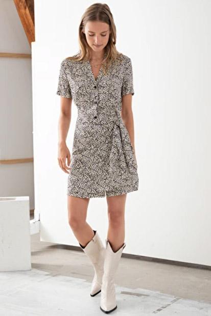 Moda: Vestido mini de estampa floral Other Stories