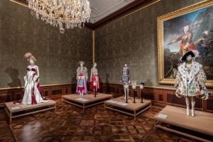 The-Vulgar-fashion-redefined-Foto-Christian-Wind-Belvedere-Vienna-1