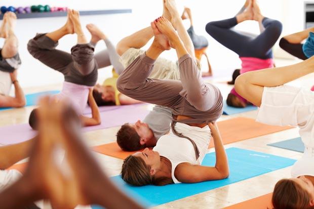 Conheça Yin & Gin – A nova tendência em ioga direta de Londres | EAMR