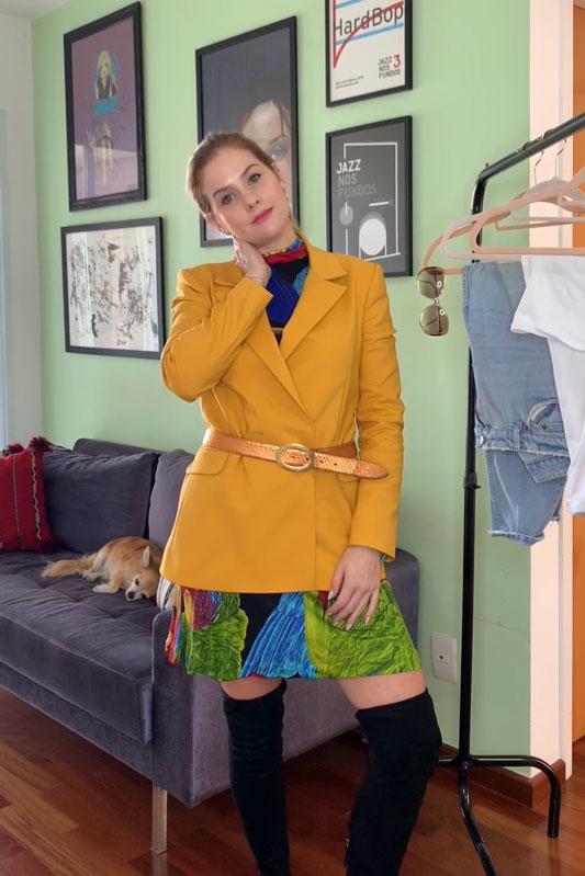 4 looks com um blazer mostarda da Amaro - Look para inverno