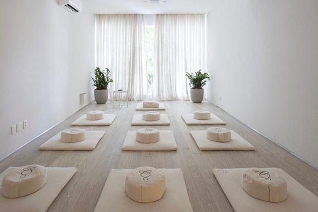 Foto de uma sala de meditação do Estúdio Contemplo