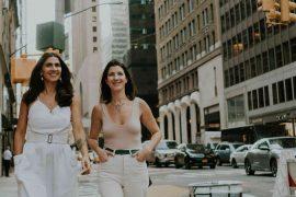JULLS faz sua primeira edição em Londres-Camilla Guimarães e Debora Lucki, sócias da JULLS